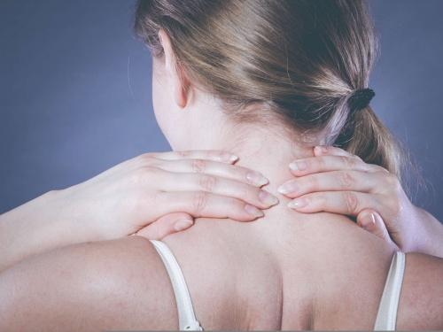 Cách chữa đau vai gáy của người nhật