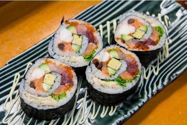 Giảm cân độc đáo hơn với món sushi maki