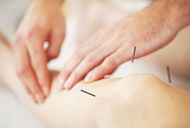 Điêu khắc body kết hợp châm cứu chữa vị quản thống