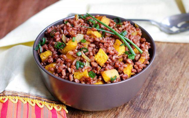 Cách nấu thực đơn giảm cân bằng bột gạo lứt huyết rồng