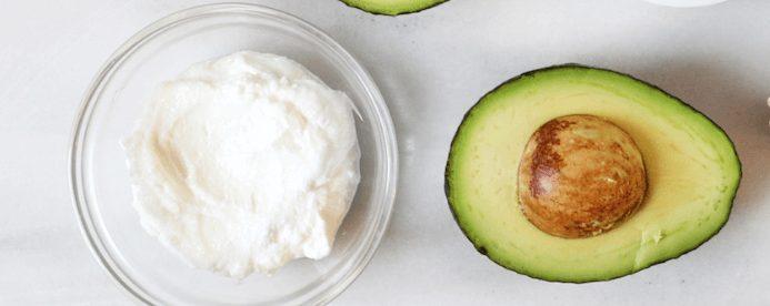 Cách làm kem tẩy da chết với bơ và sữa chua